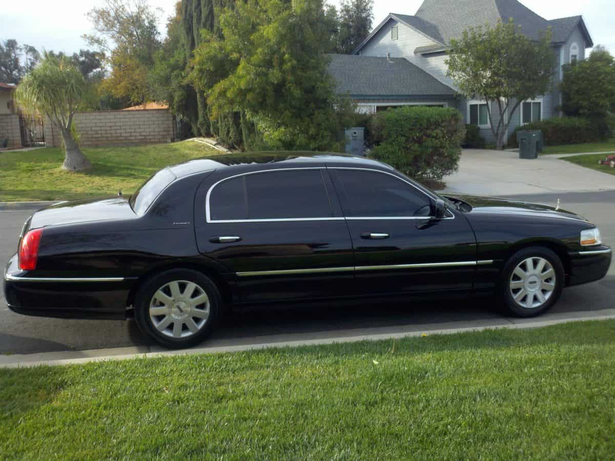 Temecula Limo Service Reaches Out to Consumers Through Online